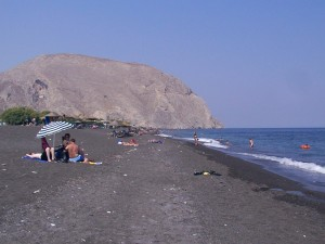 Perissa strand op Santorini