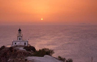 Santorini Faros de vuurtoren of lighthouse